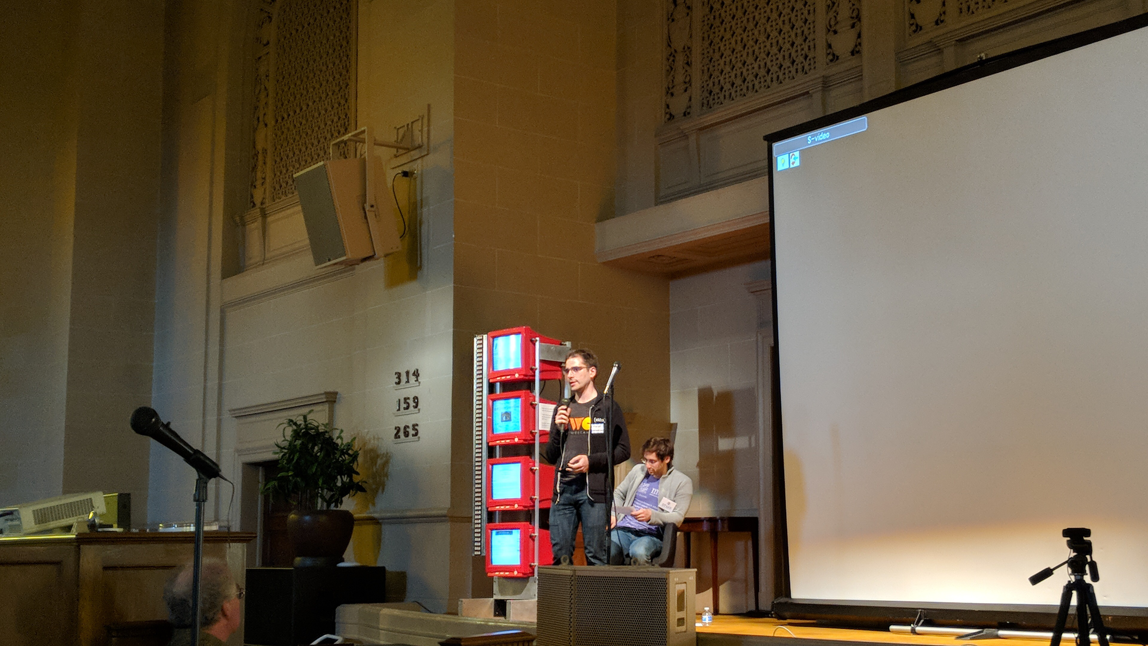 Aaron Parecki giving a lightning talk on Indie Auth at the Decentralized Web Meetup at the Internet Archive