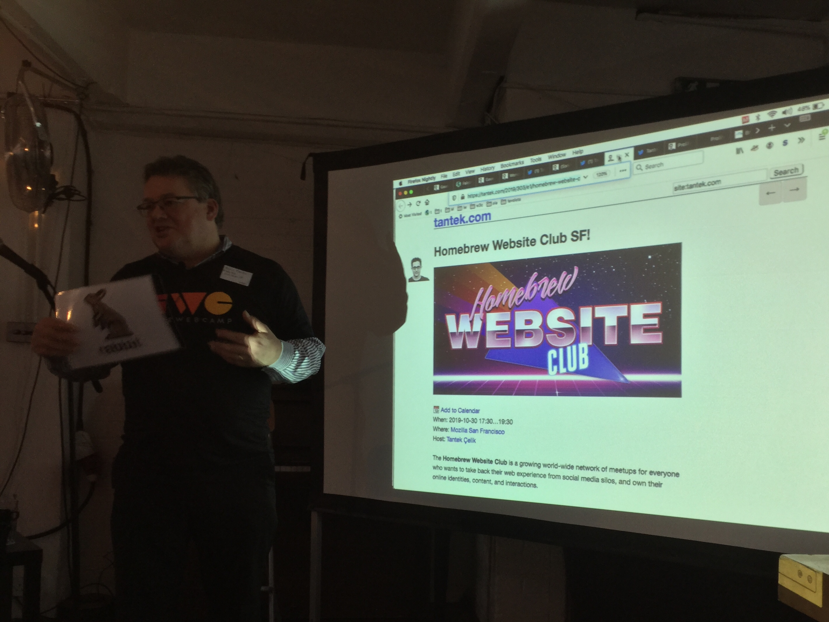 Kevin Marks leading a discussion on IndieWeb standards and methodologies showing an indie event as an example